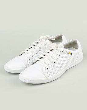 唯品会折扣网男款白色休闲鞋
