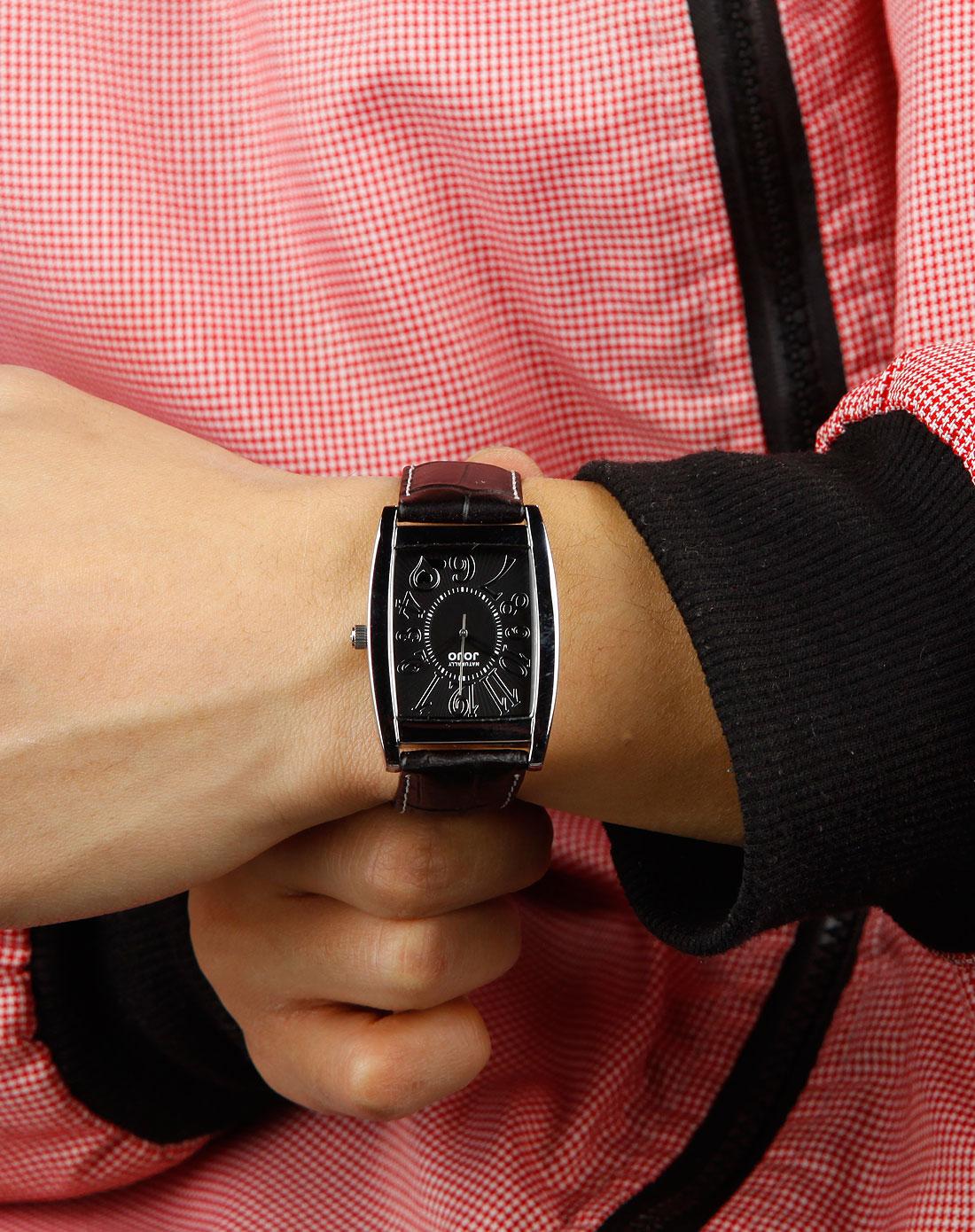 中性黑色方形时尚皮带手表