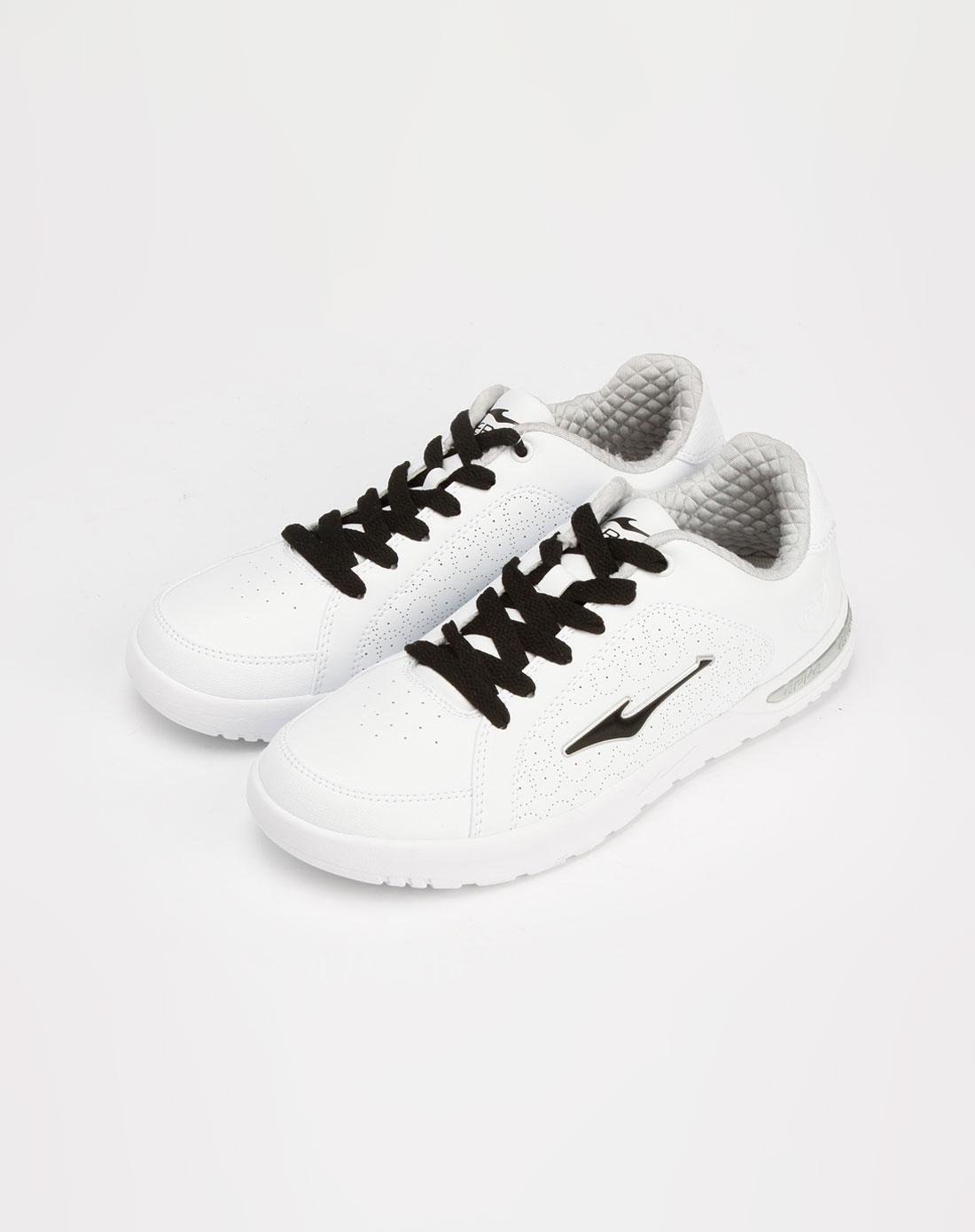 ERKE滑板鞋
