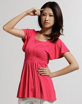 女款玫红色针织短袖上衣