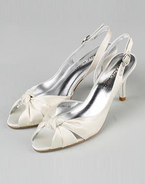 女款白色凉鞋_marchiori蜜丝罗妮特价1-3.7折
